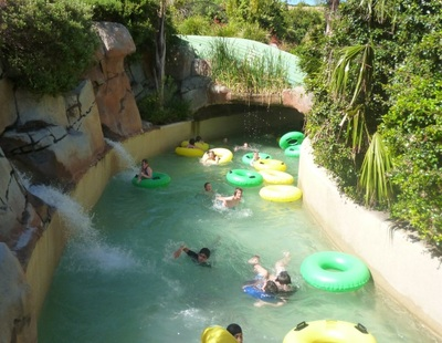 jamberoo action park, rapid river