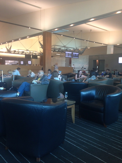 the qantas club melbourne domestic airport, the qantas club lounge melbourne domestic airport